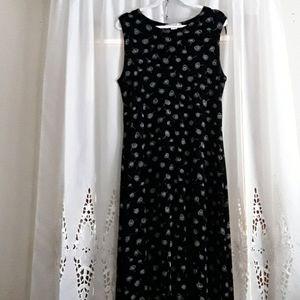 Pretty long dress!